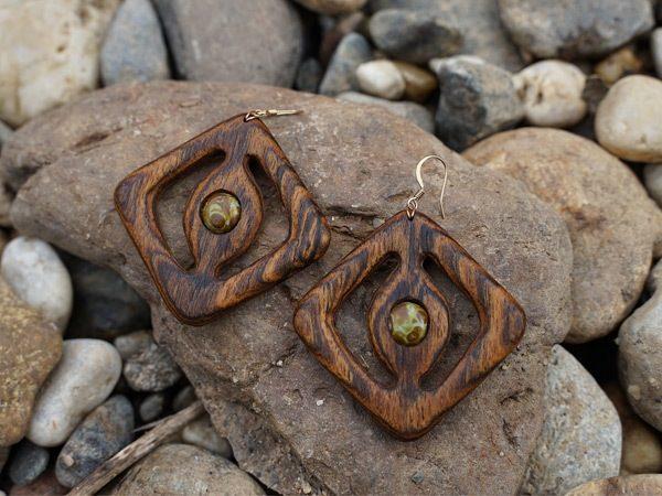 """""""Leoa Cleopatra"""" Handmade Wooden Earrings California USA - by Tatiana"""