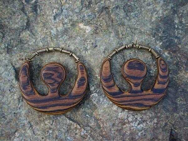 California handmade wood earrings by artisan, TatianaAshna. This style is called Mufasa.
