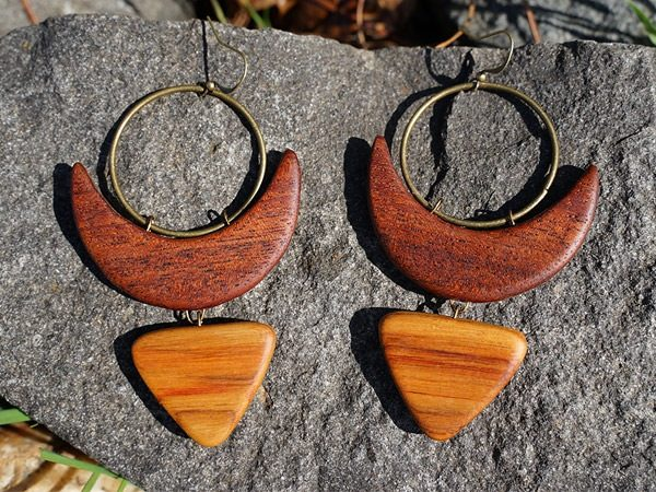 Joyful and playful, this wood and brass handcrafted earring shows a some real sass entitled 'Mulata' from the TatianaAshna California collection.